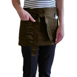 Короткий фартук официанта с карманами цвет коричневый